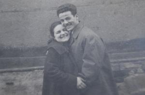 1958, Barcelona, Ángeles e Ismael. Regala un árbol genealógico de filogenea.com